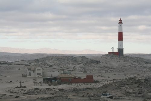 diaz-point-lighthouse_diaz-point-lighthouse-with-coffee-shop-in-frontjpg