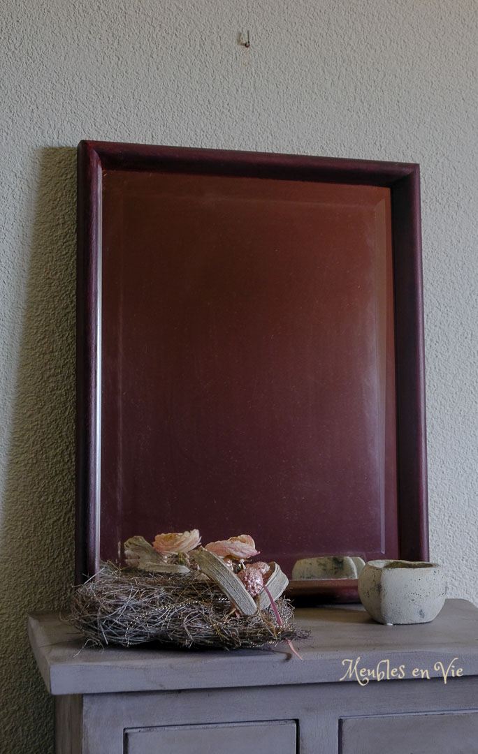 Bordeau Burgundy, Black Wax | L x p x h : 41x4x51 | Prix : 65 CHF